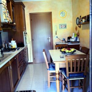 Venaria - cucina02